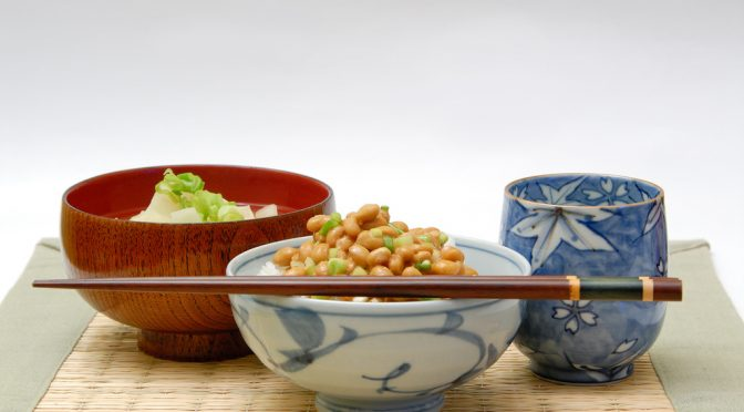 カロリーリストリクション|カロリー抑え、寿命延ばそう 適切な食事量の把握が鍵