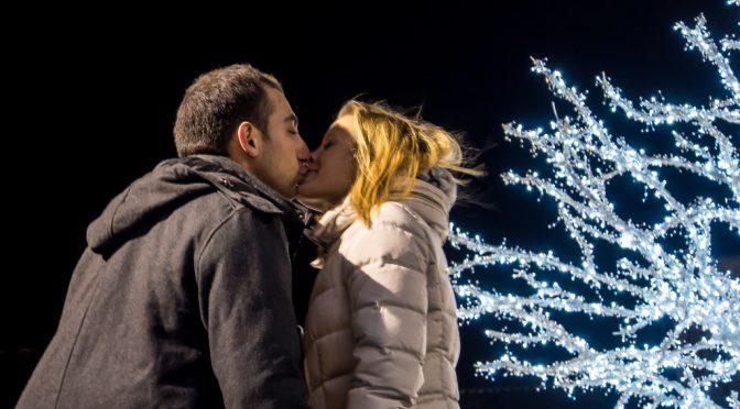 クリスマスの告白・プロポーズ 7割以上成功している!?