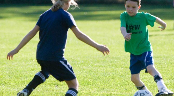 筋トレ(筋肉を鍛える)をすると背が伸びなくなるのか?|子供の身長を伸ばすために必要な要素とは?