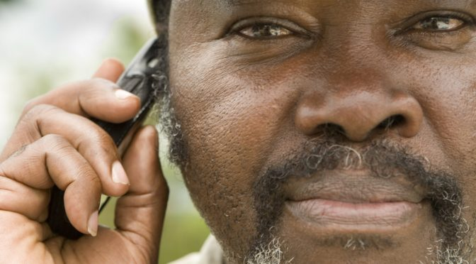 アフリカでは、携帯電話は医療に活用されている。