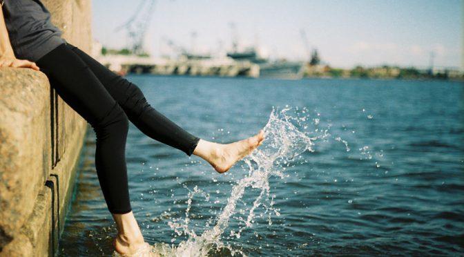 #桐谷美玲 さんのコンプレックスはO脚の脚&1日10分むくみ解消エクササイズ