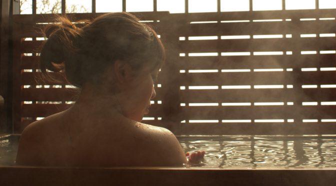 #小雪 さんの美の秘訣はお風呂|身体を温めるため、お風呂に日本酒1合を入れた「日本酒風呂」|#ミになる図書館