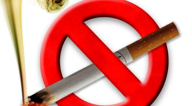 喫煙者4割減を目標 厚労省案、がん対策の柱に