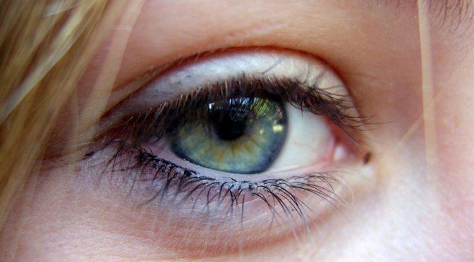 アミノアントラキノン(AAQ)の注射でマウスの視力回復 加齢黄斑変性や網膜色素変性症など失明を伴う目の病気の治療にも期待|米研究