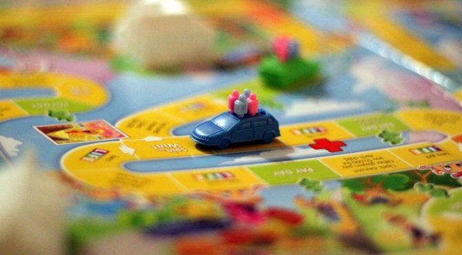 【未来予測】子供向けスマホ+デビットカードの組み合わせでお金について教育しよう!|バンドルカードでマネー教育
