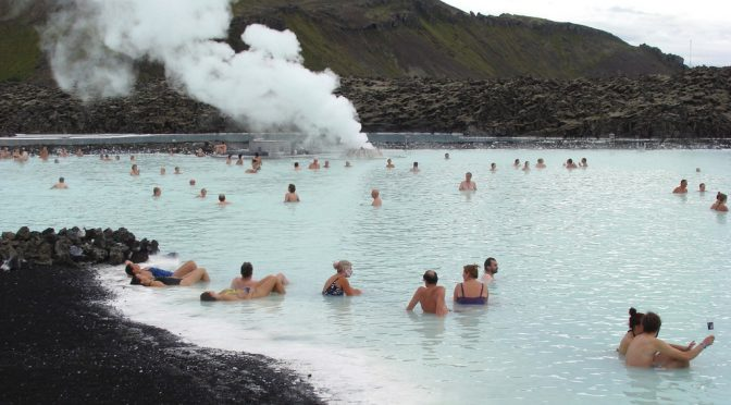 入浴習慣がある高齢者は要介護リスクが低くなる!長生きするお風呂の入り方とは?