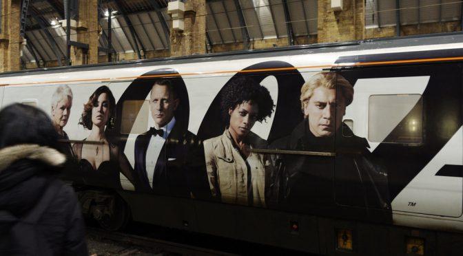 """007の""""M""""役女優ジュディ・デンチ(Judi Dench)、黄斑変性症で失明の危機"""