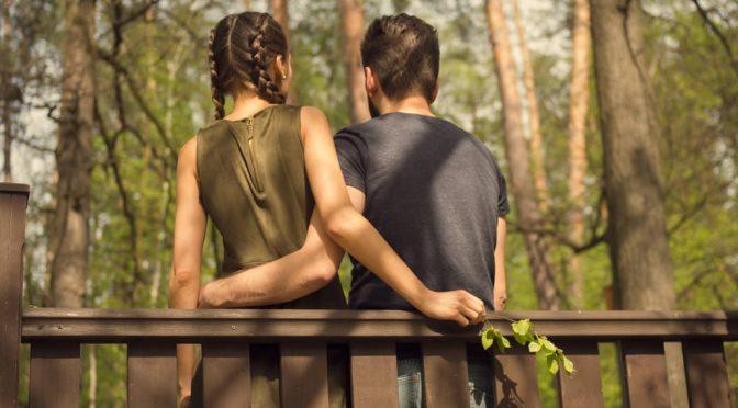 男性は美女と5分話すだけで男性ホルモン(テストステロン)が増え健康に、科学的に確認|米カリフォルニア大学の研究