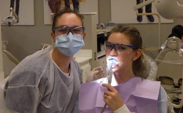 歯周病がアルツハイマー病の原因の一つ!?|歯周病菌が作る「酪酸」が酸化ストレスを引き起こす