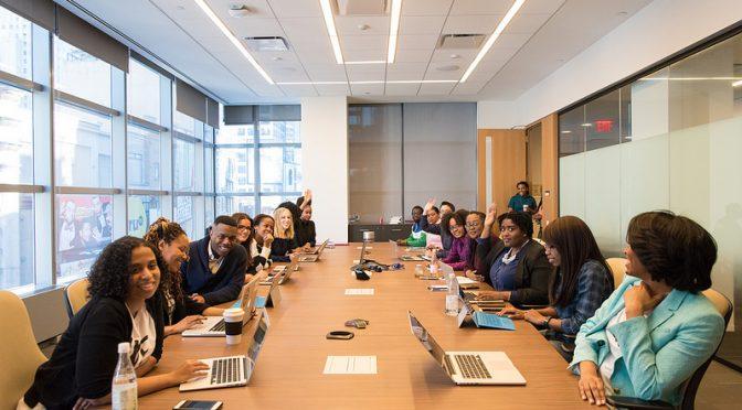 なぜ企業はジェンダーダイバーシティ(男女の多様性)を重要視するようになったのか?|AccentureやGoogleは社内男女比「50対50」を目指す