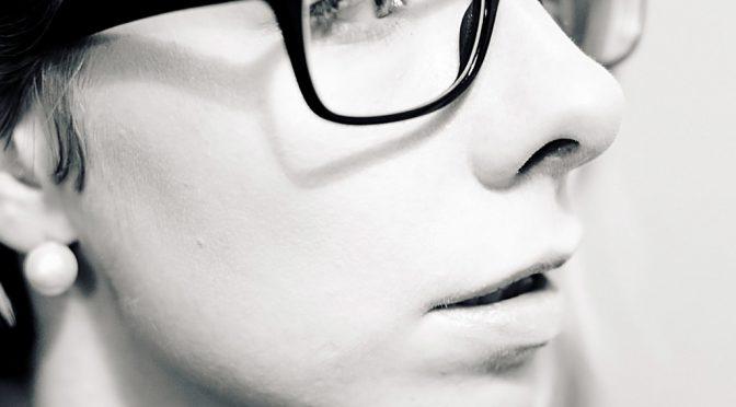 見た目の第一印象を決める上で重要な顔のパーツは「目」!