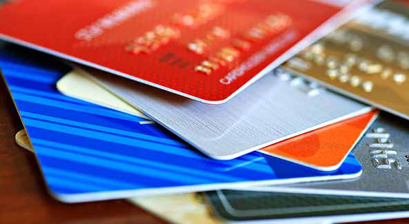 クレジットカードを持つのが怖いという人に「なぜ怖いのか?」をインタビューしてみました|クレカの使い過ぎは怖いけど、ドコモのケータイ払いなら大丈夫!?