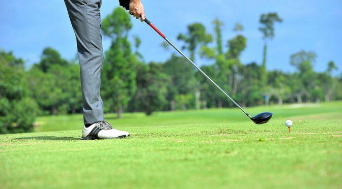 ゴルフで認知症予防!|ゴルフには運動・脳トレ・社会的な交流という認知症予防につながる要素がそろっている!