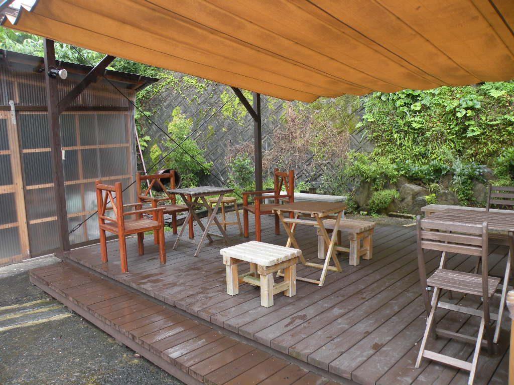 氷窯アイス「kometama(こめたま)」にはテラス席もあります|西の原