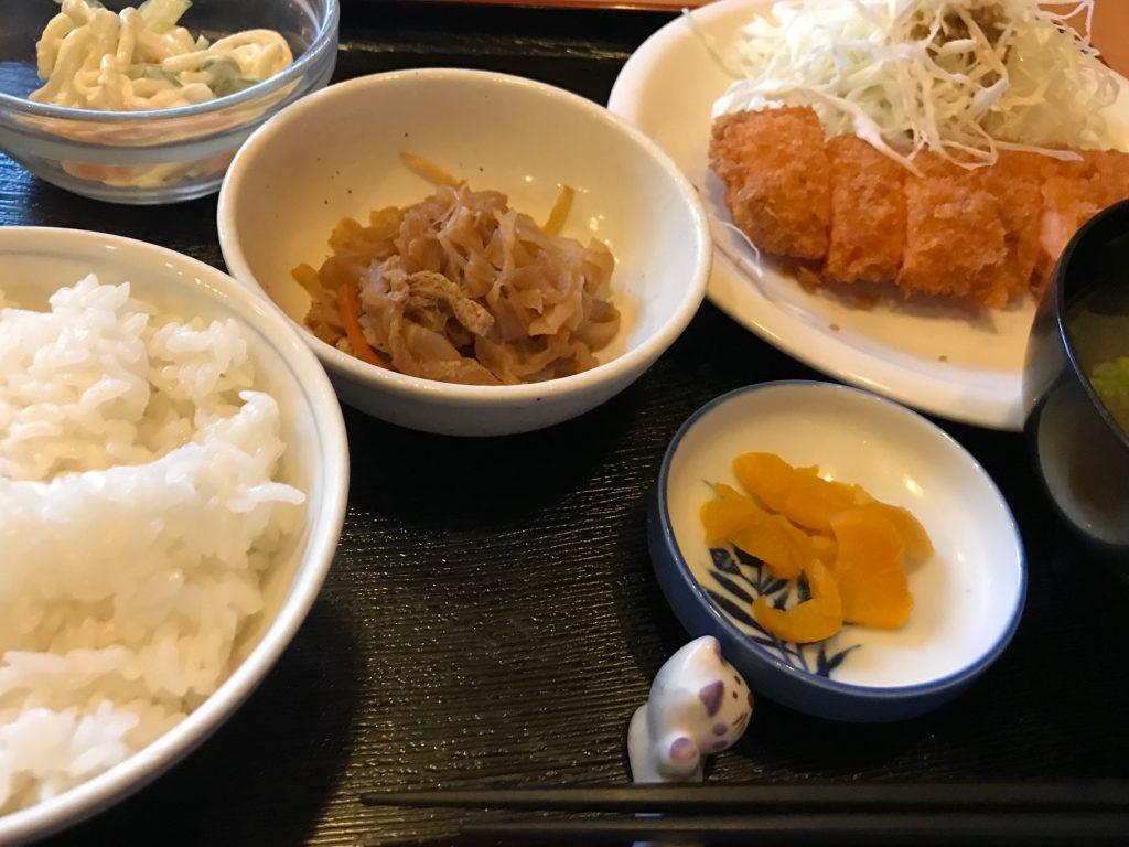 日替わり定食(えびカツ)650円|一汁三菜家