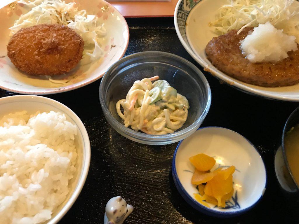 一汁三菜定食(おろしハンバーグ・コロッケ・スパゲティサラダ)|一汁三菜家