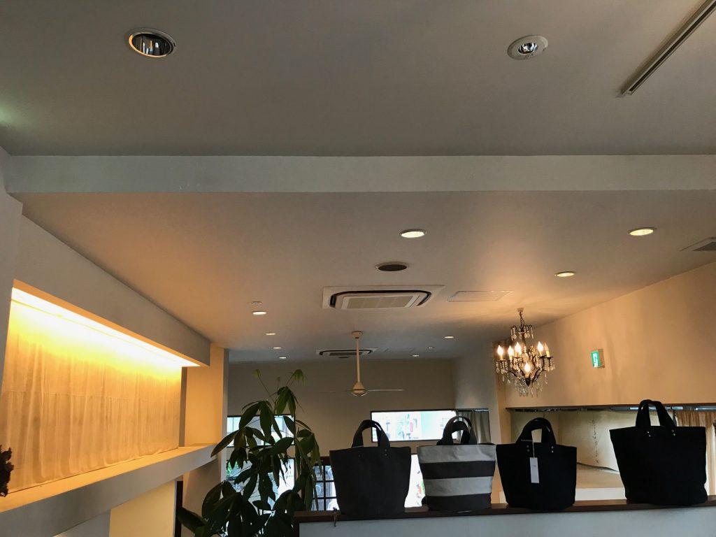 cafe de ich(カフェドアイシーエイチ)2階