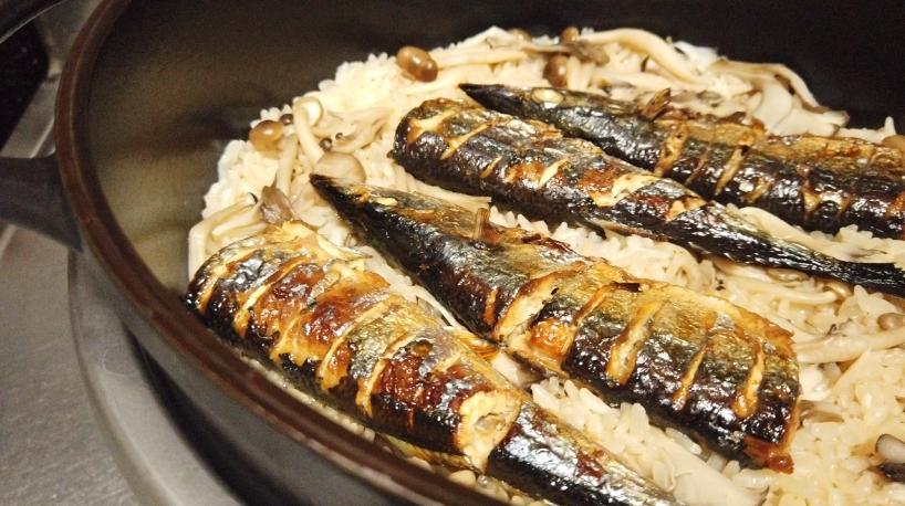 秋刀魚の炊き込みご飯(炊飯)