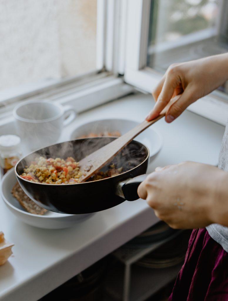 水嶋ヒロさんがYouTubeで料理番組をスタート!もしリニューアルするなら「仮面ライダーカブトの天道総司として日本の家庭料理をする」にしてほしい!