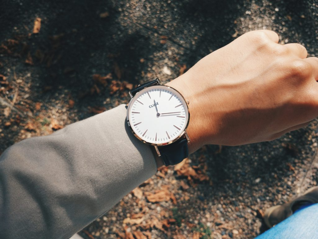 福山雅治さん、老眼を告白「腕時計の文字が小さくて見えない」|映画「ラストレター」