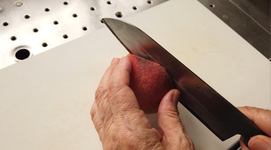 桃の種の取り方1