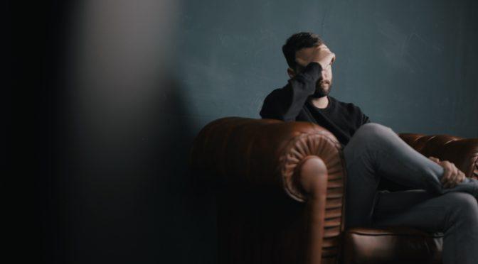 サカナクション山口一郎さん、インスタライブで「群発頭痛」を告白。「体中がもう薬漬けみたいな感じ」