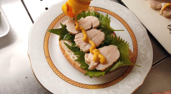 【サタプラ】サラダチキンの代用ができるバーミキュラライスポットで作る鶏ハムのレシピ・作り方!鶏の胸肉の健康効果