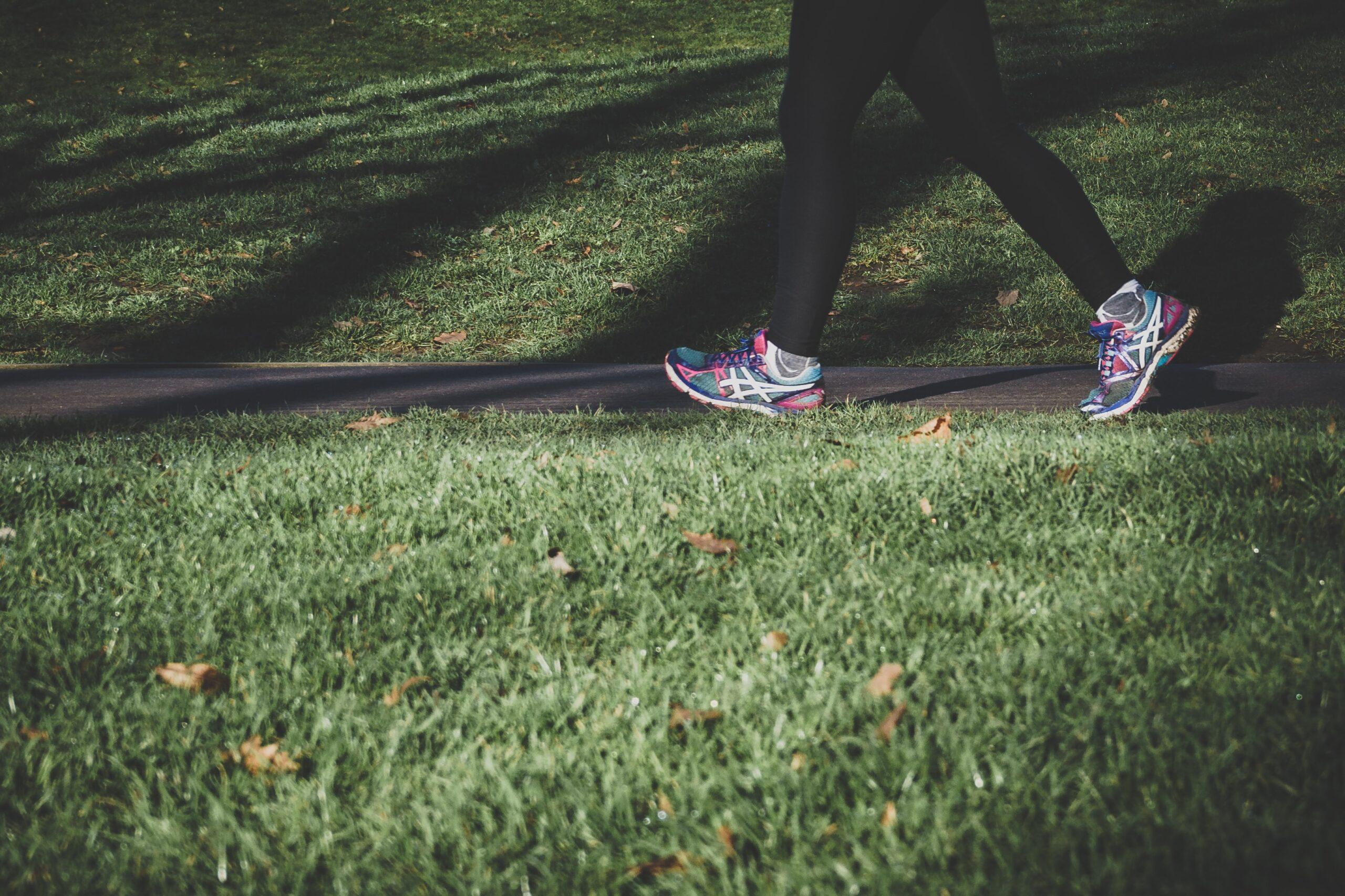 運動不足と新型コロナの重症化に強い関連性!継続的な運動で新型コロナウイルス重症化リスクを下げる!